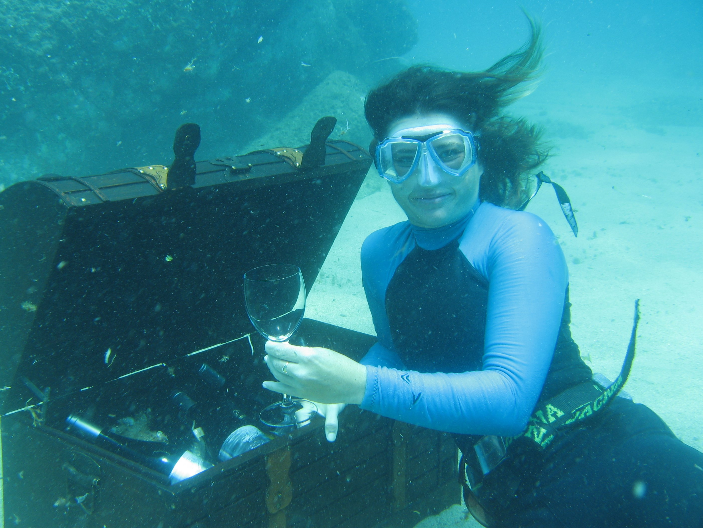 Underwater Bodega